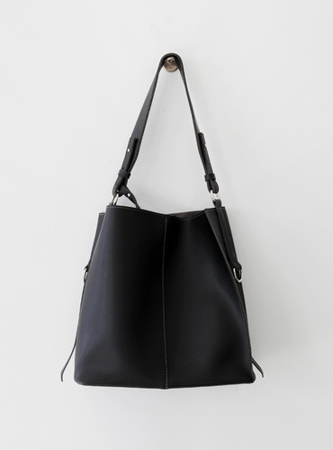 stitch 3 bag ; black