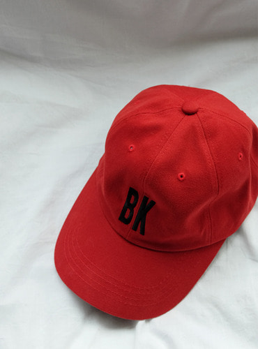 bk&wh graphic ball cap
