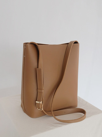 reqular shoulder bag