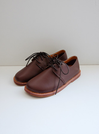 roundy brown loafer